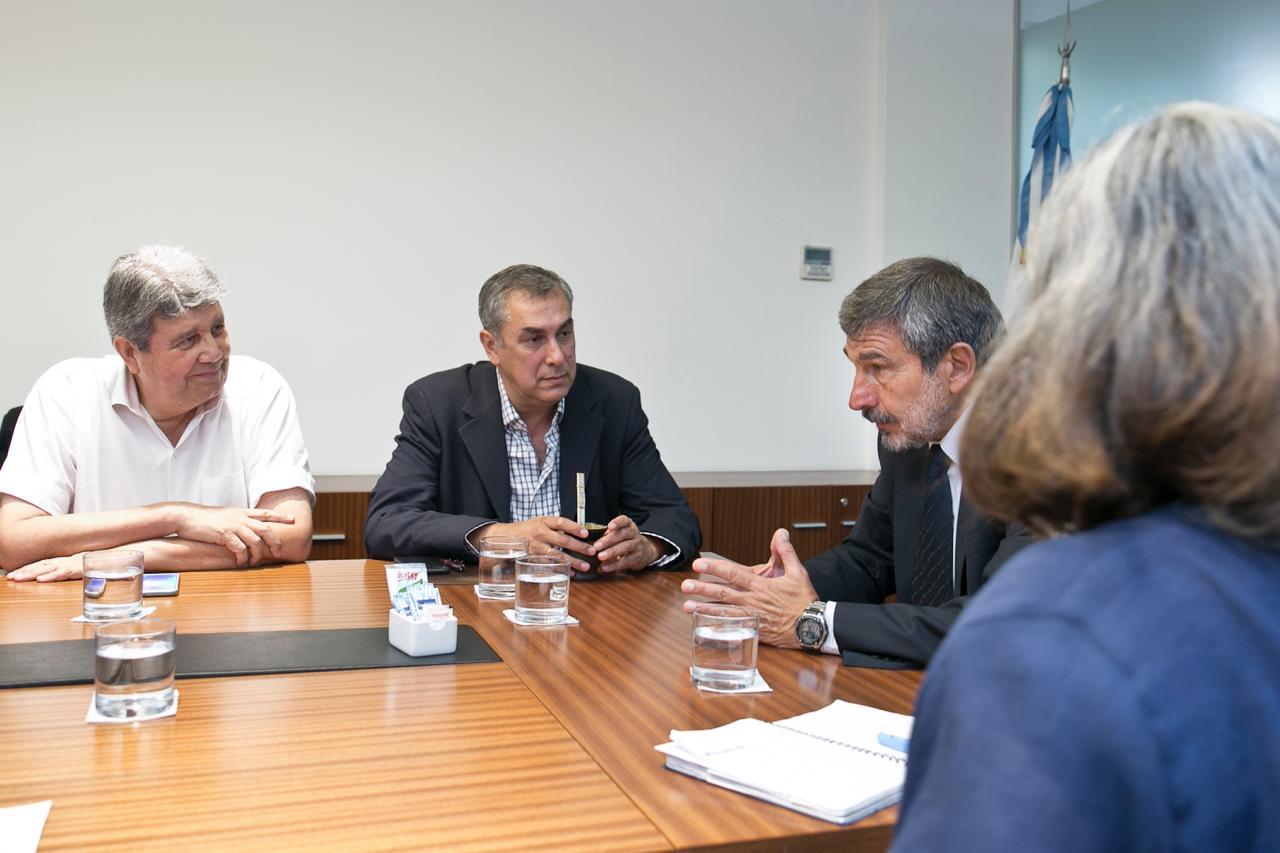 Encuentro de COVIAR con Roberto Salvarezza, Ministro de Ciencia, Tecnología e Innovación de la Nación